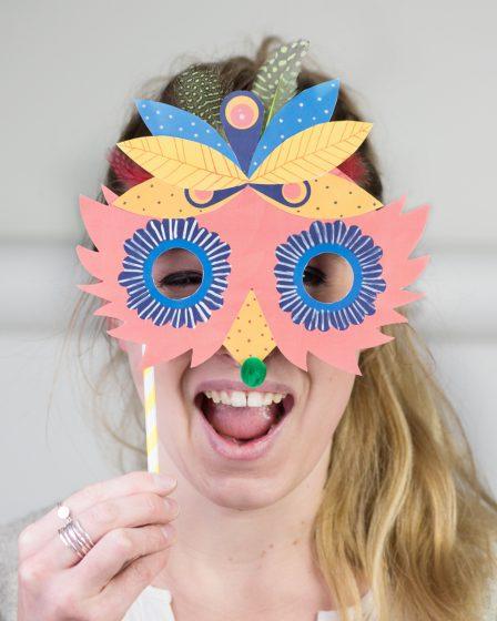 Masque de Venise en papier pour le carnaval